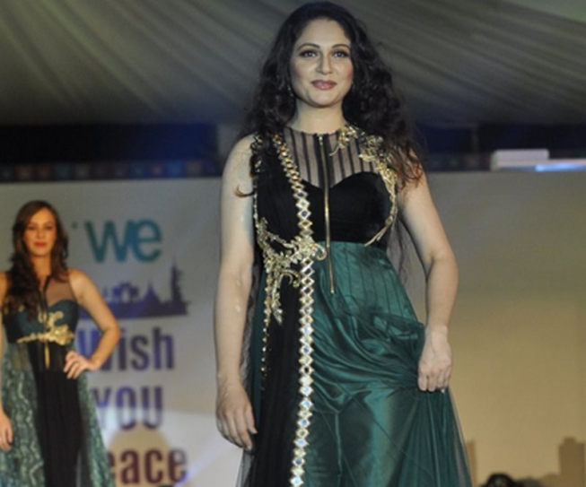 Gracy Singh Pankaj Dheer And Kartik Tiwari Walk The Ramp For Cancer Patients Aid Association In