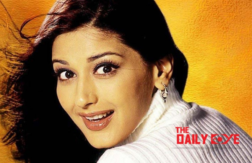 Friendship Day Special: #SwitchOnTheSunshine like Sonali Bendre