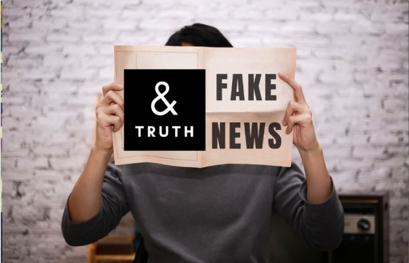 Between Fake News and Truth…
